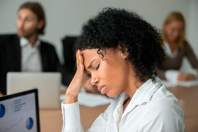 Estresse causado pelo assédio sexual no escritório